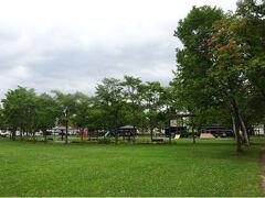 ドライブを再開。岩見沢市内の某公園。
