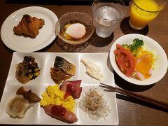 汪泉閣の朝食 こちらもバイキング形式