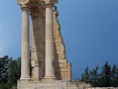 アポロ神殿(Το Ιερό του Απόλλωνα Υλάτη)  紀元前3世紀頃より信仰の中心地となっていた場所です。   アポロ神殿:https://en.wikipedia.org/wiki/Hylates アポロ神殿:https://www.visitcyprus.com/index.php/en/discovercyprus/rural/sites-monuments/item/2405-sanctuary-of-apollon-hylates