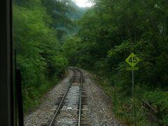 坂を下る 次は信濃川上 ここも懐かしく想い出深い駅