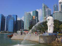 シンガポールの象徴的な風景。マーライオンとビル群。