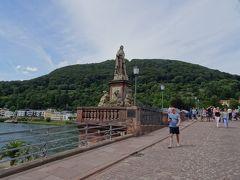 アルテ・ブシュッケ(古い橋)とも呼ばれる、「カール・テオドール橋」に到着!