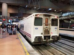 アトーチャ駅(セルカニアス)。 タルゴに乗車。