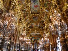 私的には世界的に有名なヴェルサイユ宮殿の鏡の間よりも、豪華だと思います。 娘がここを先に見てしまったのはマズイかな・・・案の定、ヴェルサイユ宮殿の鏡の間が地味に見えたようです。
