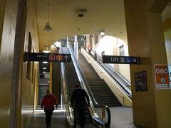 10分ほどでCentral駅に到着。