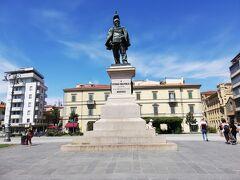 ヴィットリオ エマヌエレ二世の銅像
