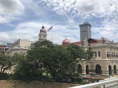 スルタン・アブドゥル・サマド・ビル(旧連邦事務局ビル) どこからともなくイスラム教が聞こえる。
