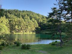 乗馬をした北杜市から、蓼科経由で北上する途中、湖面に映る景色が綺麗な場所で途中下車しました。
