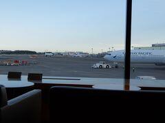 成田 18時過ぎ発のJAL便でいざハノイへ