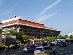 16:10 お昼の台北駅。 いったんホテルに戻ろうと帰ってきました。