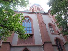 聖シュテファン寺院につきました。 こちらは外観。