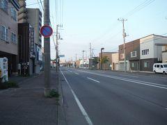 日曜早朝の函館港はタクシーが拾えず、20分ほど歩いて駅前のホテルにチェックインしました。