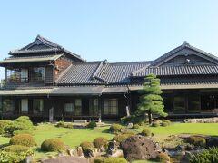新飯塚駅からバスで10分。 伊藤伝右衛門邸へ。