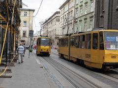 こちらはルスカ通り. 見ての通りトラムが走っています.