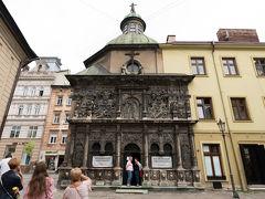 続いて隣のボウイム家の廟. 1615年にハンガリーの商人,ジョージ・ボウイムとその妻のために建てられた廟兼礼拝堂だそうです.