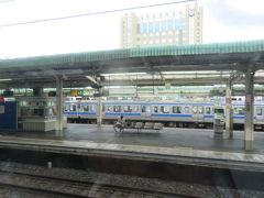栃木県の小山駅。水戸線の電車が停まっていました。