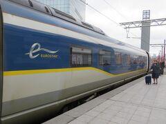 ちょくちょく時速300km運転をしながらブリュッセル南駅に到着。 もうちょっと高速運転をしてもいいんじゃないかと思うの。