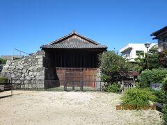 「旧萩藩御船倉」 藩主の御座船を格納した場所。