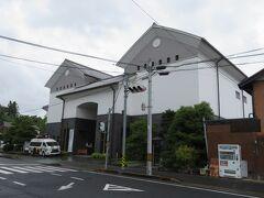だんじり会館。  上野天神祭のだんじり3基など、華やかな上野の祭りの様子を展示しているそうです。近くに無料の駐車場がないという理由でパスw