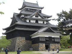 小さいですが、均整のとれたきれいなお城です。