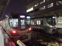 大阪環状線の車両も変わりましたねえ。