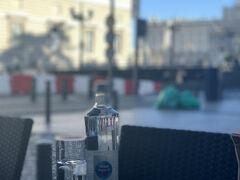 このとき、まだ9:15くらい。 どうしようかなと思ったら、王宮前のカフェがあいていたので、 そこで時間まで待つことに。