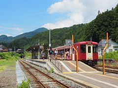 飯山線観光列車「おいこっと」に乗車して、森宮野原駅までやってきました。