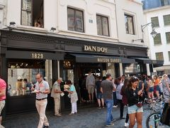 有名なお菓子屋さん Maison Dandoy ブリュッセル中心に何店舗かありました。
