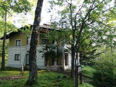 15時前には、北軽井沢の宿に到着しました。 メゾネットタイプのコテージ2部屋に分散して泊ります。