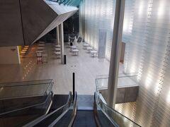 強羅の蕎麦屋で軽く昼食を取って、向かったのはポーラ美術館。 定番中の定番だが、ここは私設美術館としては東京富士美術館と並んで抜群のコレクションを誇る。もう4度目の訪問。 東京富士美術館の見学記は、  https://4travel.jp/travelogue/11532030