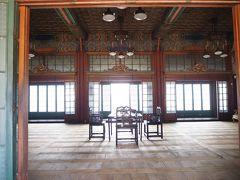 ここが恐らく煕政堂(ヒジョンダン)の内部。王の生活空間であったが、宣政殿が手狭だった事もあって、ここで政務を行った事もあったとの事。