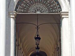 クイリナーレ宮殿(Palazzo del Quirinale) クイリナーレの丘に建つ大統領官邸です。
