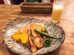 凄く美味しそうに見えた信玄鶏のグリルを注文。 味付けもちょうどよく、案内されたのがカウンター席だったこともあり、お料理している様子が全て見えていたので、とっても丁寧に作られていることが分かりました。