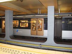 さて、これからはミニ・ヨーロッパの時間だぁ! 地下鉄を使って、ヘイゼル駅に行きましょう♪