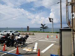 桑川駅は海の真ん前です。