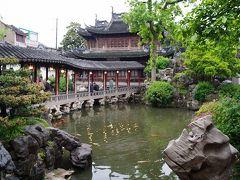 豫園 上海のメジャー観光地の一つ。中国庭園が広がっている。