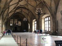 王宮内の「ヴラディスラフ・ホール」  1500年頃に建設された天井の高さ13m、 幅16mで奥行は63mの大ホールです。
