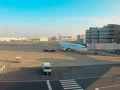 まずはJALで羽田から関西国際空港へ 朝7:10発JL221便 関空で乗り換えて GA883便でバリ島に16:45着