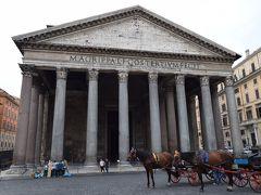 パンテオン  紀元前27年に建設され、のちに120年頃、ハドリアヌス帝により再建された