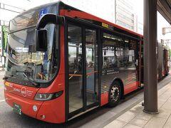新潟から萬代橋まではバスで移動します。  連結バス初めて乗った!