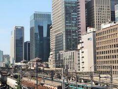 富士山麓へ 車窓風景        56/       30  東京駅近く
