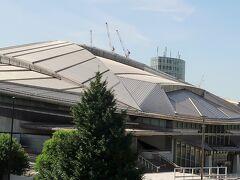富士山麓へ 車窓風景        56/       37  東京体育館