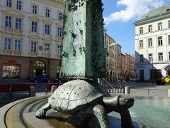 アリオンの噴水 Ariónova kašna  翌朝、再び、昨晩歩いた道を歩き、広場へ。。。。  亀がいるとは気が付かなかった。