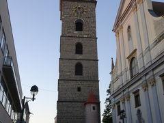 Náměstí Přemysla Otakara II. プシェミスル・オタカル2世広場  広場横にある聖ミクラーシュ大聖堂(Katedrála svatého Mikuláše)と黒塔(Černá věž)