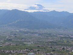 富士山が姿を現す。