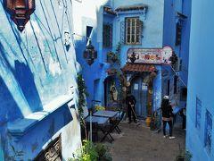 この小路の先には、ベルディ・バブ・スールBeldi Bab Ssourというレストラン。まだ開店準備中ですが、このレストランはガイドブックにも載っています。  通っていた時には気づかなくて・・・後から写真を見て、あ~ぁ、ここにあったのね・・・あ~ぁ、ここを通ったんだぁ・・・と、色々認識する次第です。