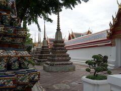 ワットポーはタイ・マッサージで有名な王宮寺院