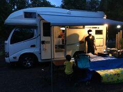 お腹いっぱいになったところで、遅めのチェックイン。この日は穂別キャンプ場に宿泊しました。