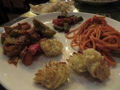 その後ジャイプールへ移動(車で6時間)後夕食はホテルで 大変おいしかった