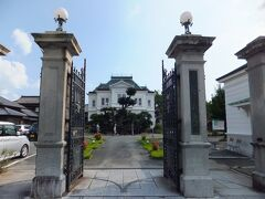 御花 大名屋敷跡にして伯爵邸だそうです。柳川にこんな建物があるなんて知りませんでした。